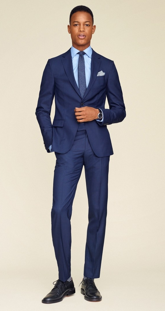 Gq-guide-to-suits-thomas-whiteside-navy-suit.jpg