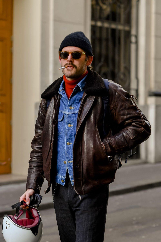 Combine com outras jaquetas. Por cima ou por baixo o resultado pode ficar bem elegante.
