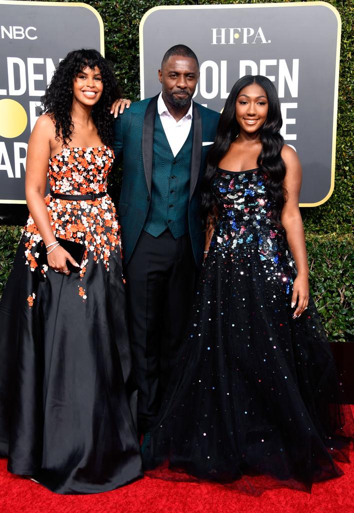 Idris Elba Mais um frequentador assíduo, 'Dris' novamente foi destaque e mostrou que um terno - mesmo sem gravata - é sempre uma opção elegante. Melhor só se o tecido fosse liso em vez de texturizado.