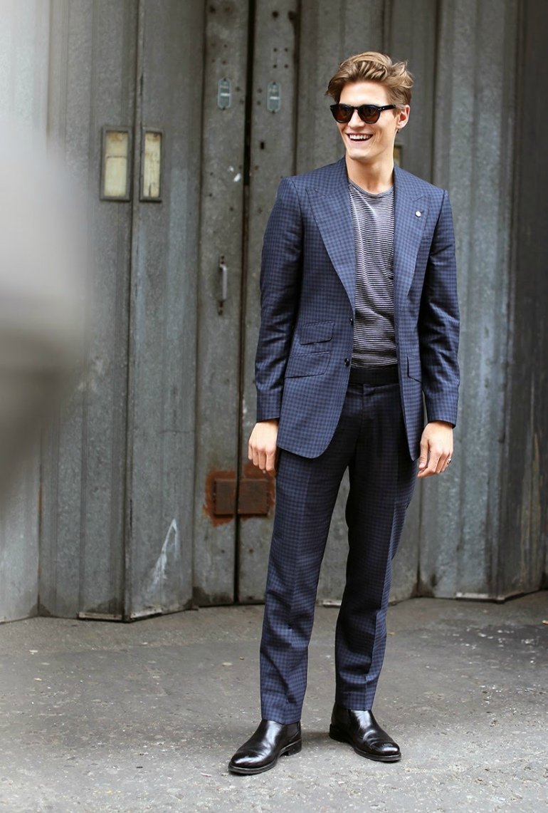 oliver-cheshire-navy-suit-mens-street-style.jpg