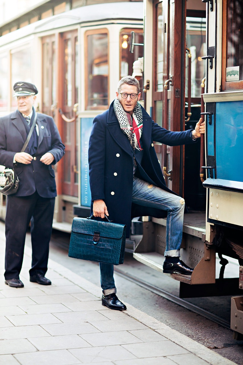 lapo-elkann-coat-briefcase.jpg