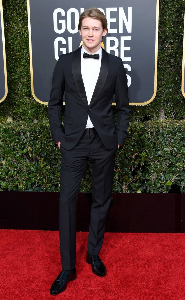 rs_634x1024-190106181939-634-2019-golden-globes-red-carpet-fashions-joe-alwyn.cm.1618.jpg