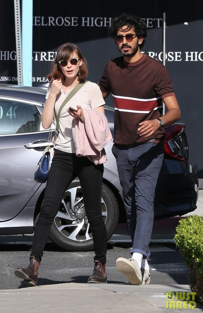 dev-patel-and-girlfriend-tilda-cobham-hervey-hold-hands-for-smoothie-run-03.jpg