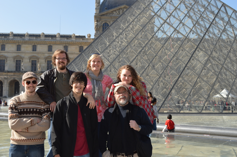 Students Jack and JMH Louvre exterior.JPG