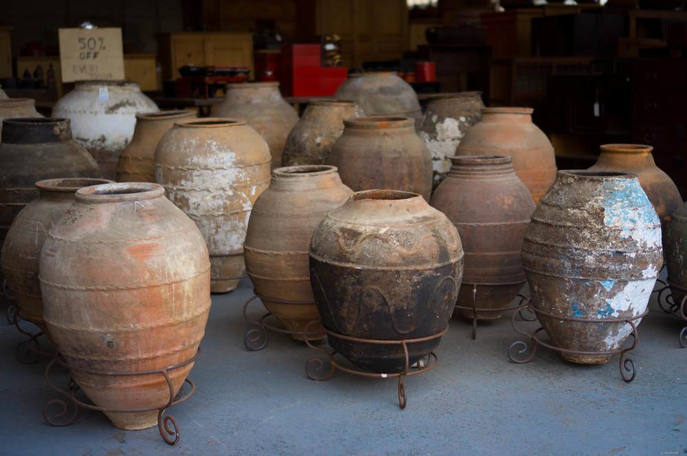 Pots | 35mm, f/1.8, ISO 100, 1/400