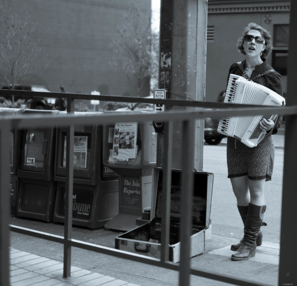 Accordion Busking | 365 Project | 35mm, f/1.8, ISO 100, 1/1250