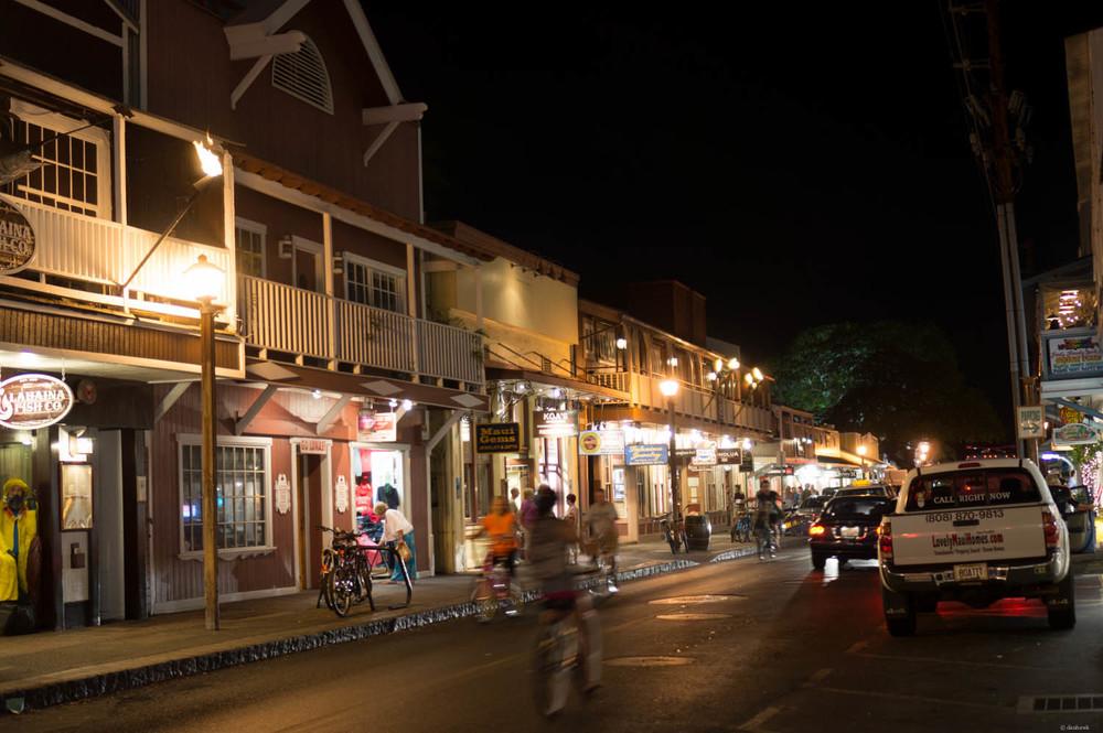Lahaina town by night.jpg
