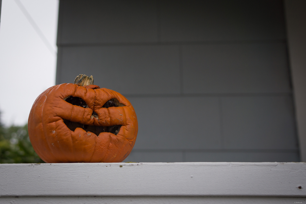 Halloween's Over Bro | 24mm, f/2.8, ISO 100, 1/400
