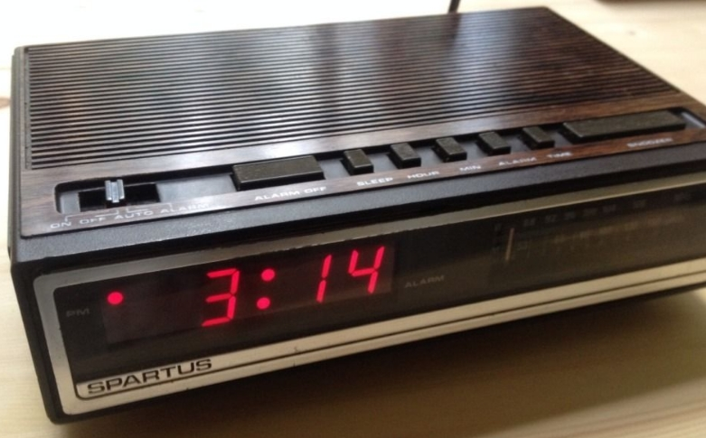 Fig. A Spartus Alarm Clock Radio Circa 1979-84