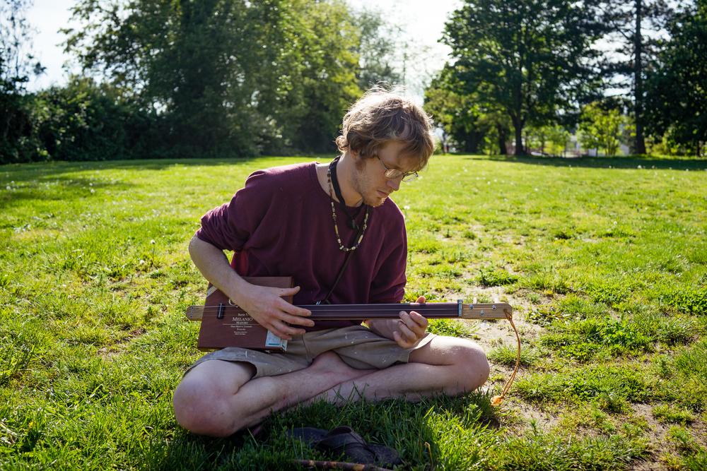 Mark and the Cigar Box Guitar