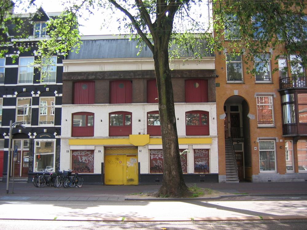 Voormalige houthandel Van de Vijsel, Overtoom 13-15-17 te Amsterdam