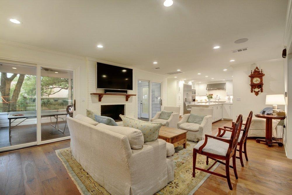 06 Living room1.jpg
