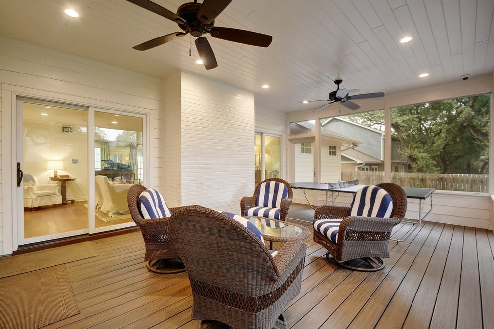 09 Screened porch.jpg