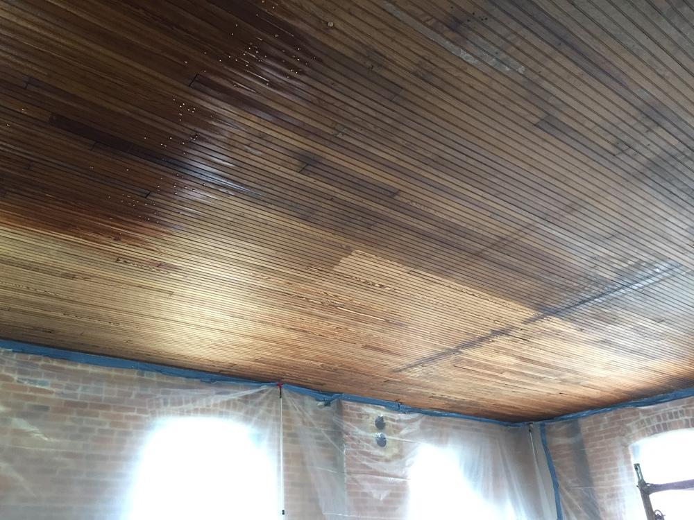 Medium Pressure Water Spray (age/dirt on wood)