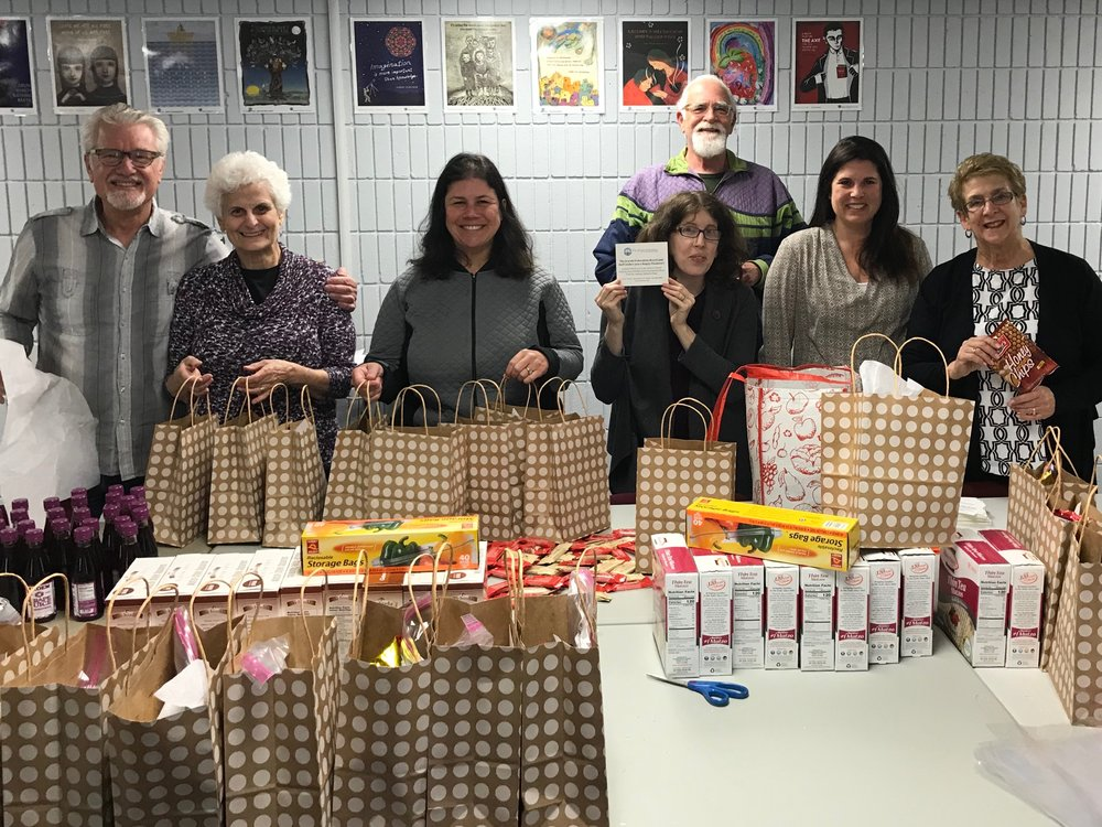 Volunteers for Passover Bags, March 2018