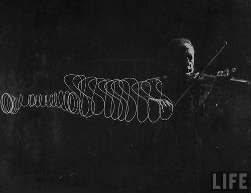 violin lightpainting 1.jpg
