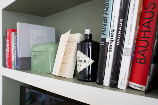 hendricks shelfie