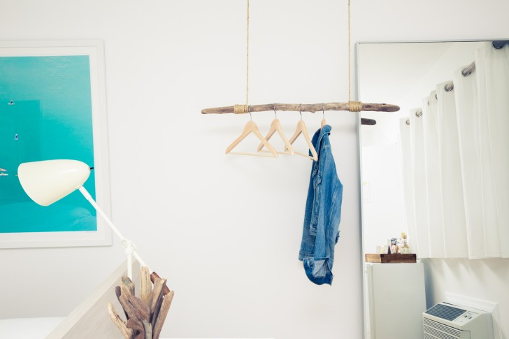 creative hanging clothes rack