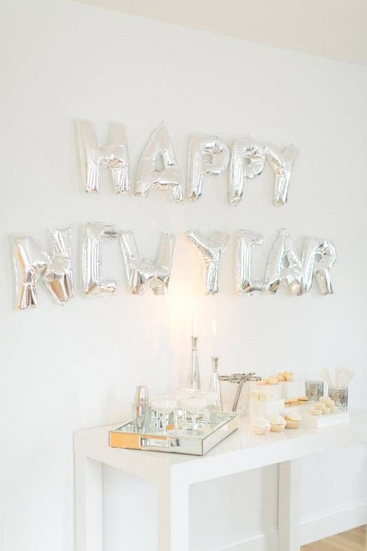 See more tips for decorating on NYE