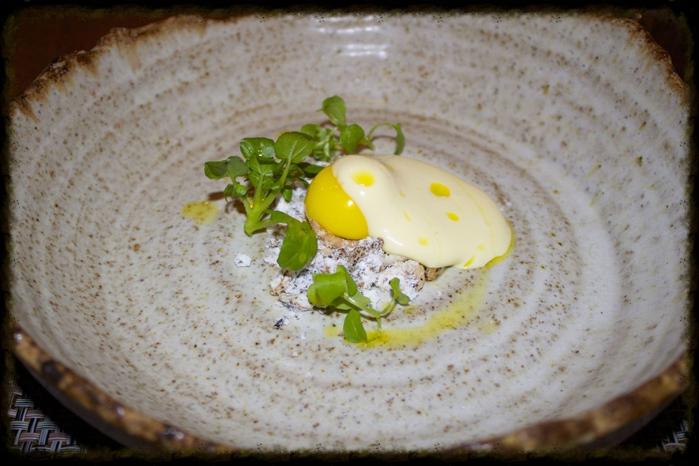 Cod 'yolk' with chickweed, salt and vinegar
