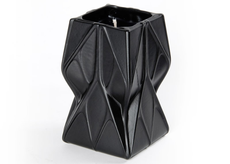 Prime Opulent Scented Candle by Zaha Hadid Design, image courtesy Zaha Hadid Design