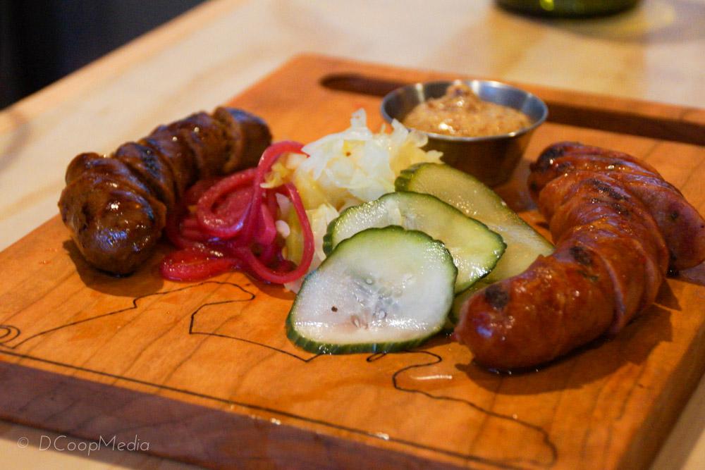 Bison çhipotle & Kangaroo cajun hotlink sausages.