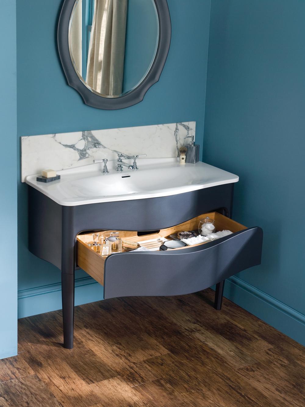 Mandello Vanity, designed by Meneghello Paolelli Associati for V+A Baths | Photo courtesy V+A Baths