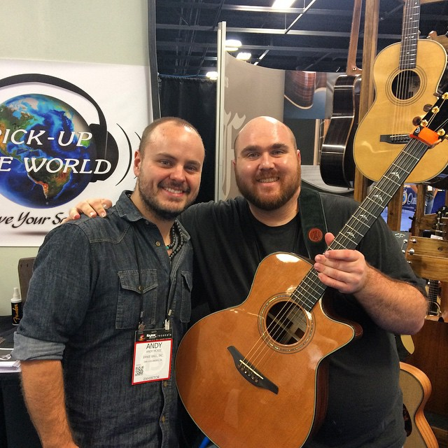 The Amazing Andy Mckee and me after my set. We could be twins, right? =)