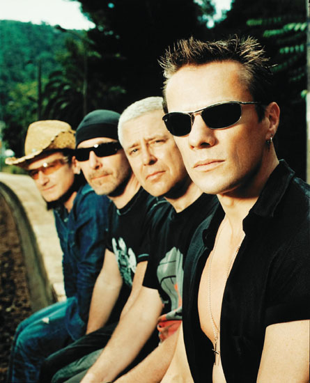 U2 chillin on the tracks