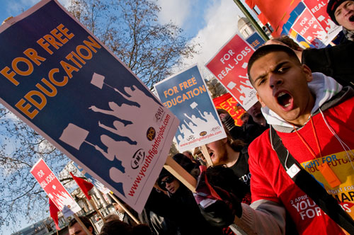 281109_marcvallee_youth_jobs_protest_17.jpg