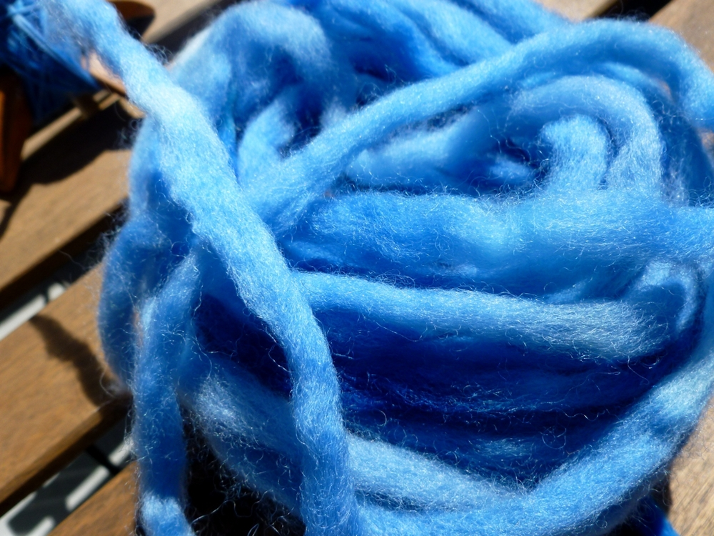 blue-pencil-roving.jpg