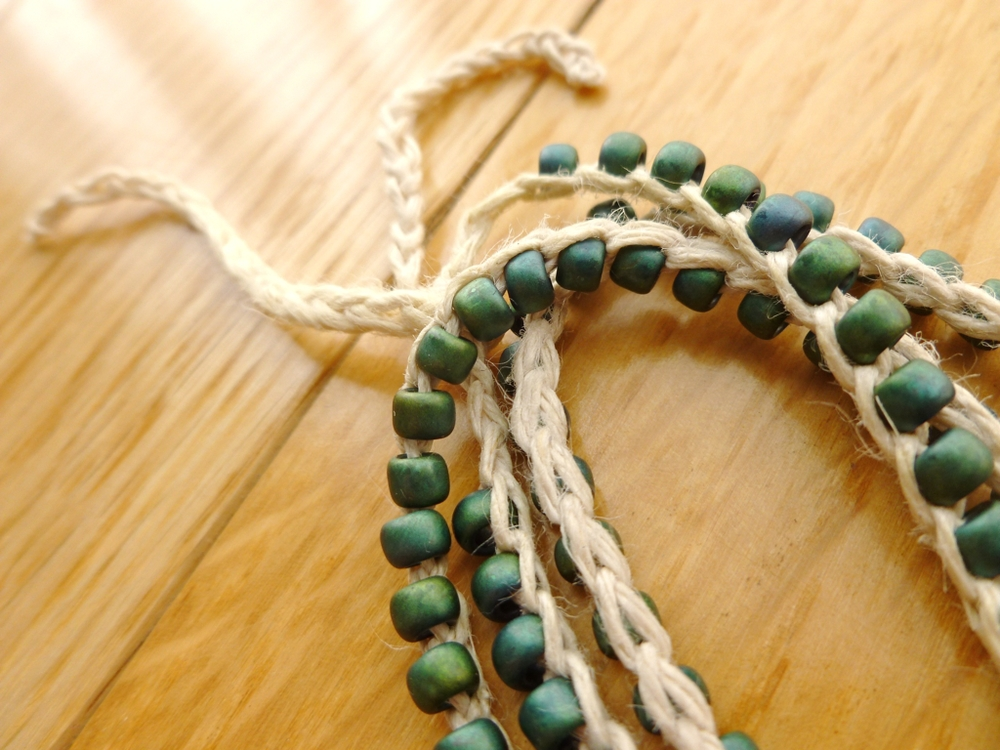Olive-Peppercorn-Bracelet-Tie.jpg