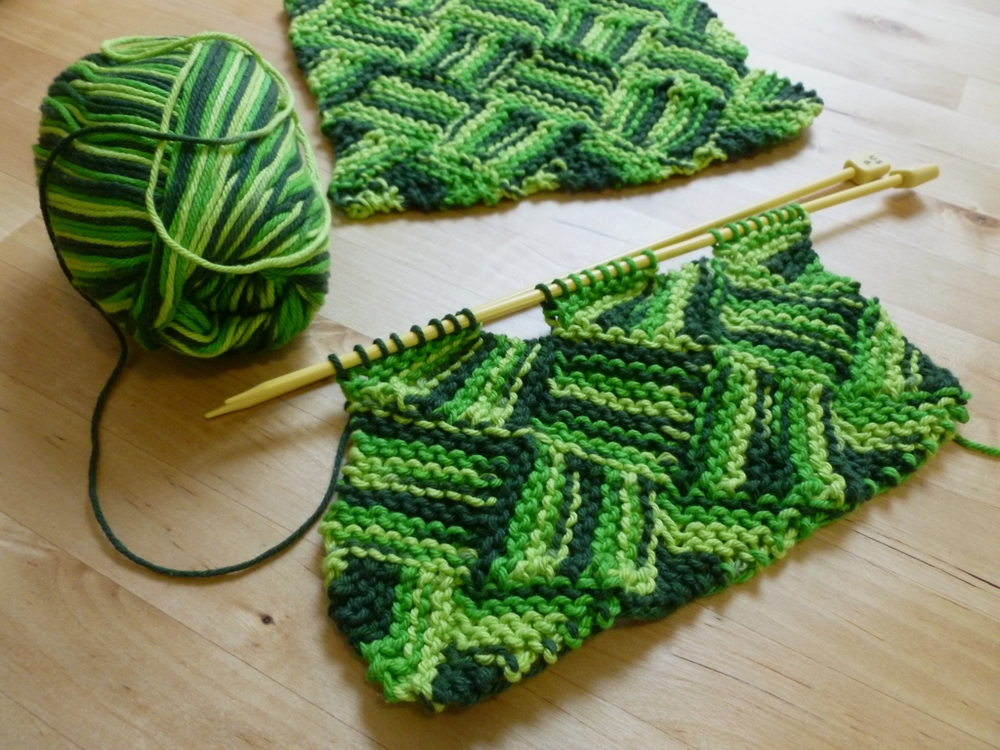 Free Knitting Patterns For Variegated Yarn : Garterlac Dishcloths   With Wool