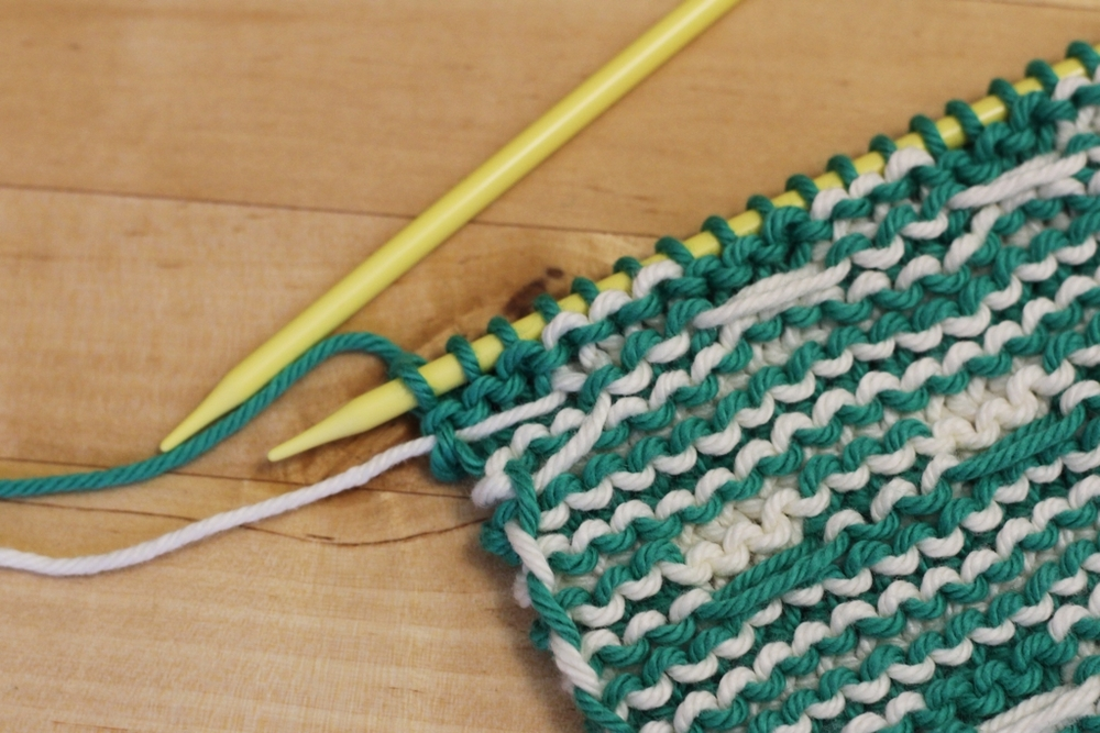 Spend your time knitting, not weaving in ends!Here's the final tutorial celebrating the Mosaic Sisters pattern! Today's tutorial is about how to carry yarns up the side of your work when you're knitting stripes. Doesn't matter if the stripes are narrow, wide, or take up less than a row.