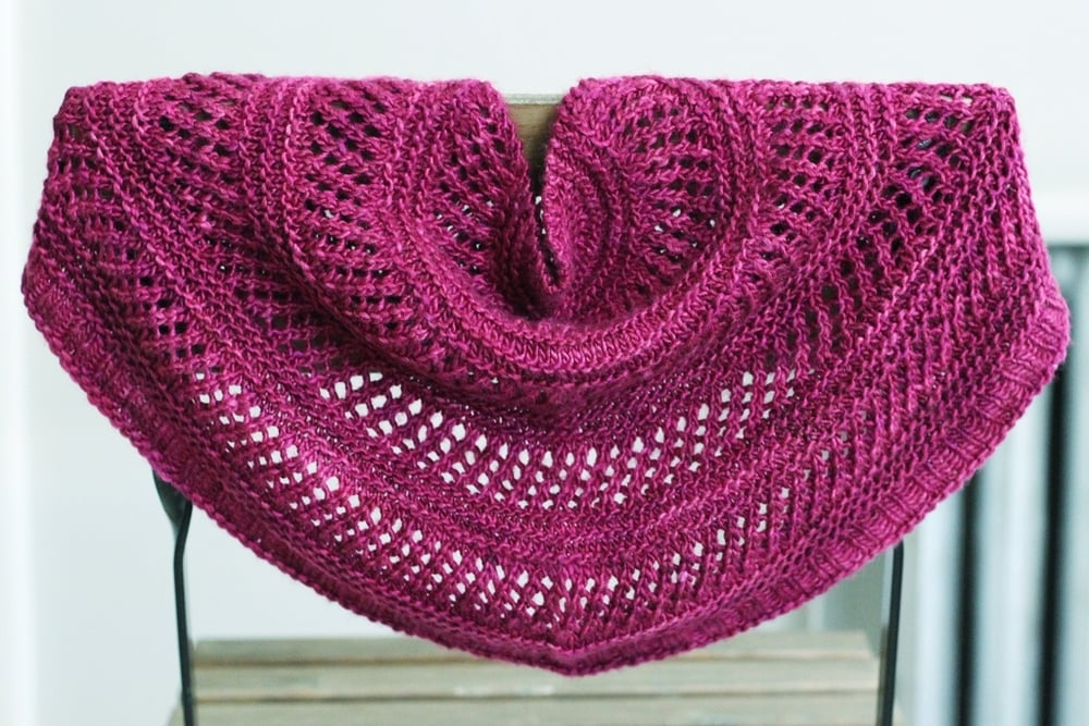 I've wanted to knit the Dewberry Cowl since I first saw it, and it was a perfect pattern for gift knitting. FO: Crescent Over Lothlorien and Dewberry Cowl - withwool.com
