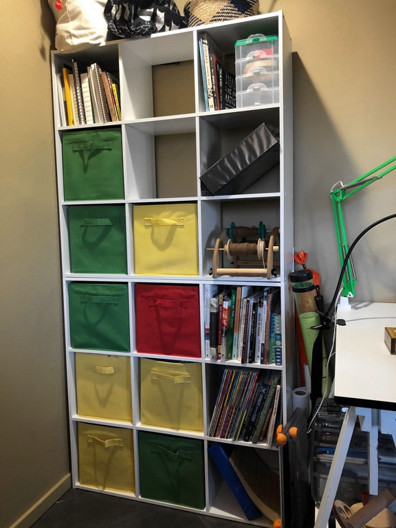 I reorganized my studio with the help of some stacking shelves. | withwool.com