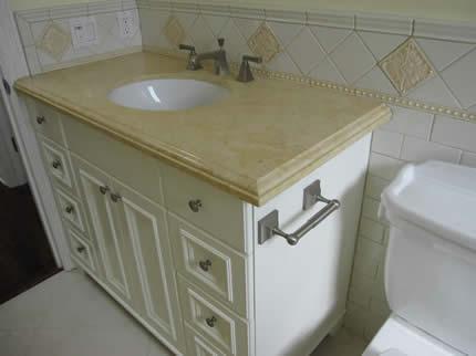 Custom Bathroom | Guest Bath | Powder Room | Granite Counters | Small Bathrooms
