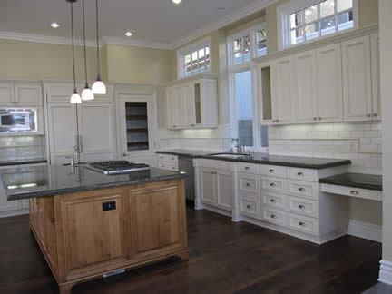 Custom Kitchen | Country Living | Granite Countertops | Inviting Home | Southern California | Beach Cities | Architect Louie Tomaro
