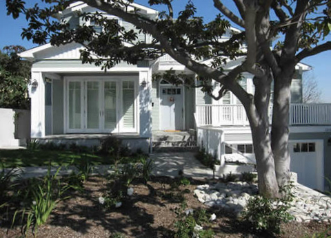 Custom Home Manhattan Beach | Tomaro Design Group | Large front yard | Homes Near Schools
