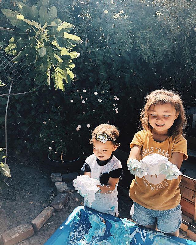 shaving cream, food coloring +  crazy kids  #papekidssummer