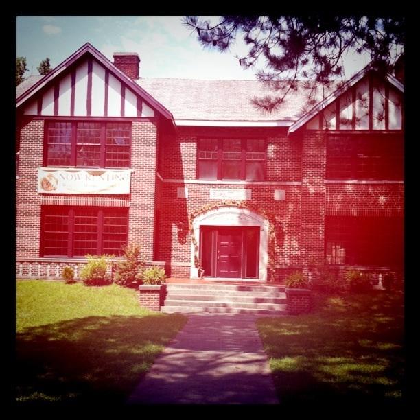 Goodlett Manor