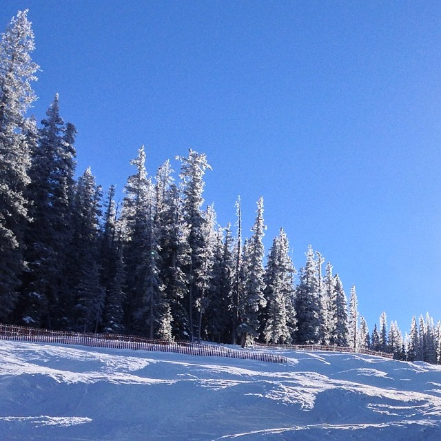 Beautiful crisp day on the mountain. #skiing #nofilter #coppermtn