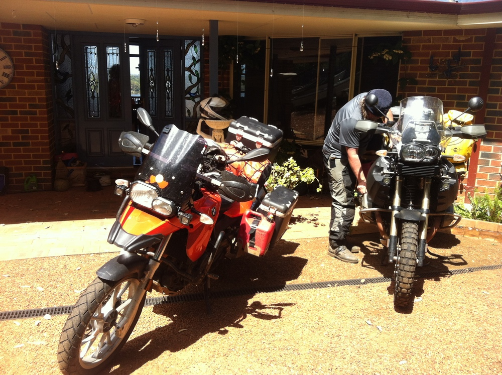 Packing the bikes up at Debbie & Rob's house