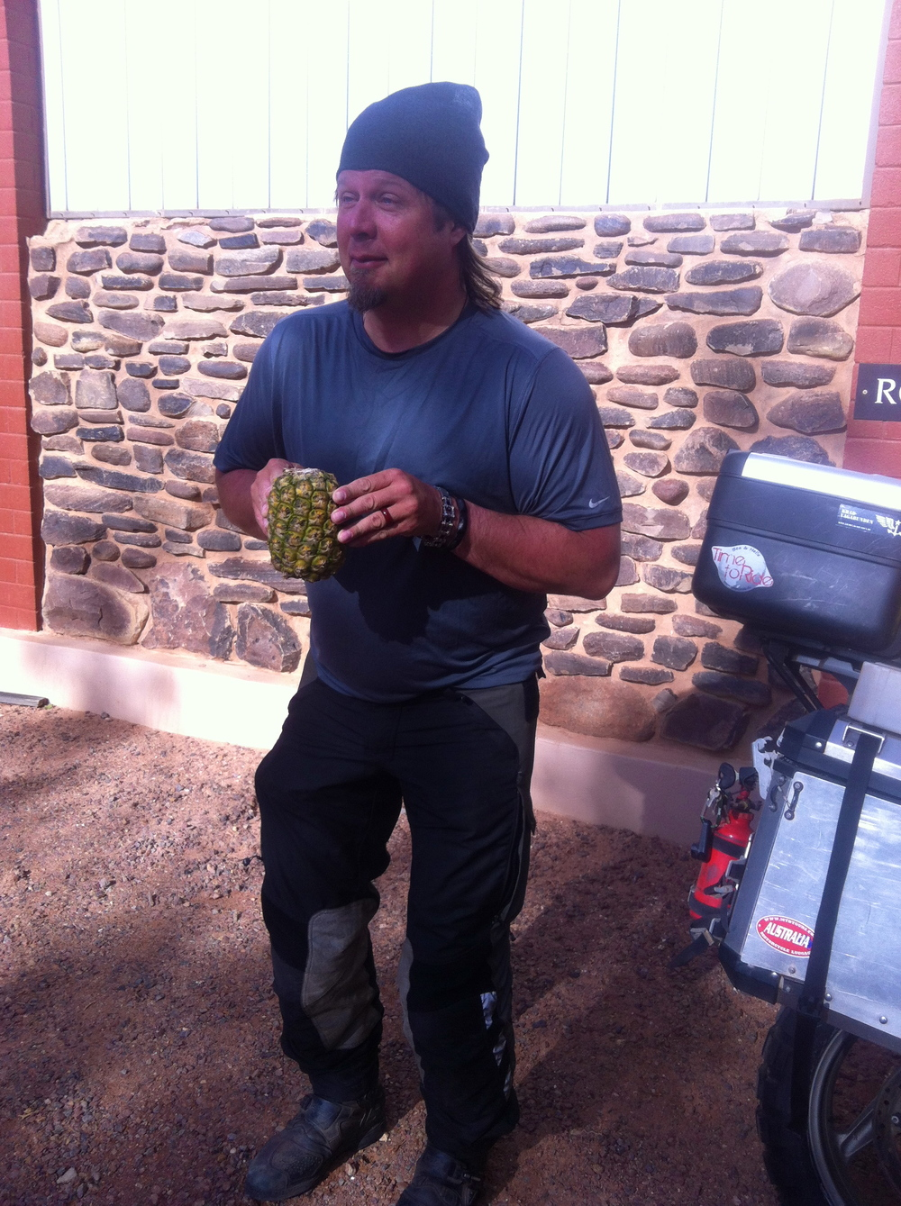 Packing up to leave Coober Pedy...We have our pineapple!