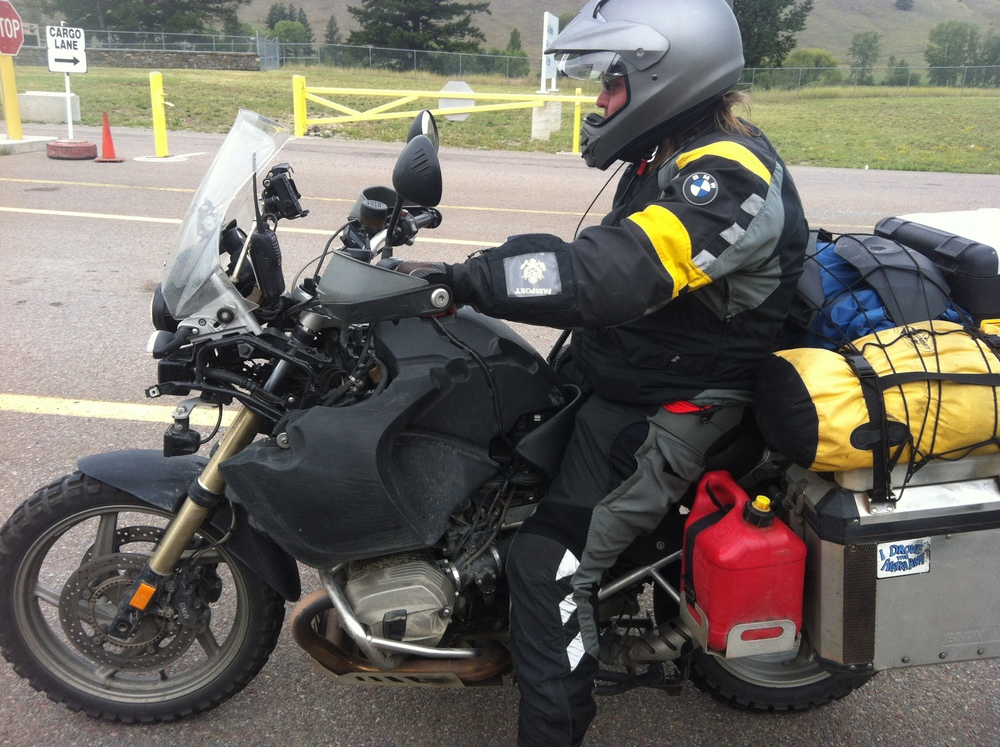 Waiting in line at the Roosville Boarder, Montana, USA