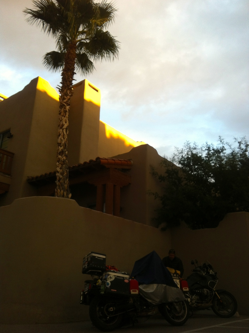 A cool Expedia score in Tucson to recover and fix the bikes before heading over the boarder.