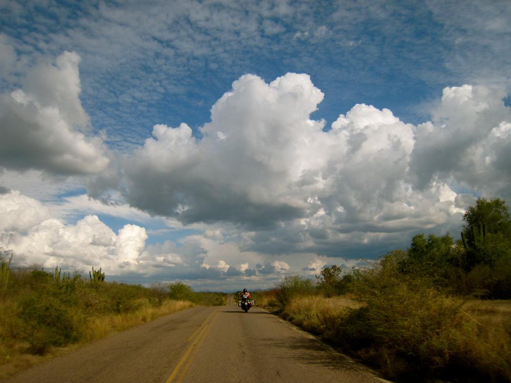 Riding into El Fuerte