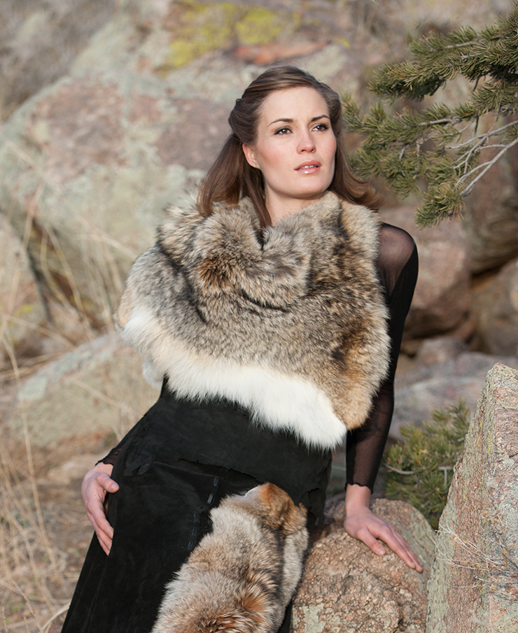 12282013_CoyoteCouture_Fur-Stole-Cropped_263.jpg
