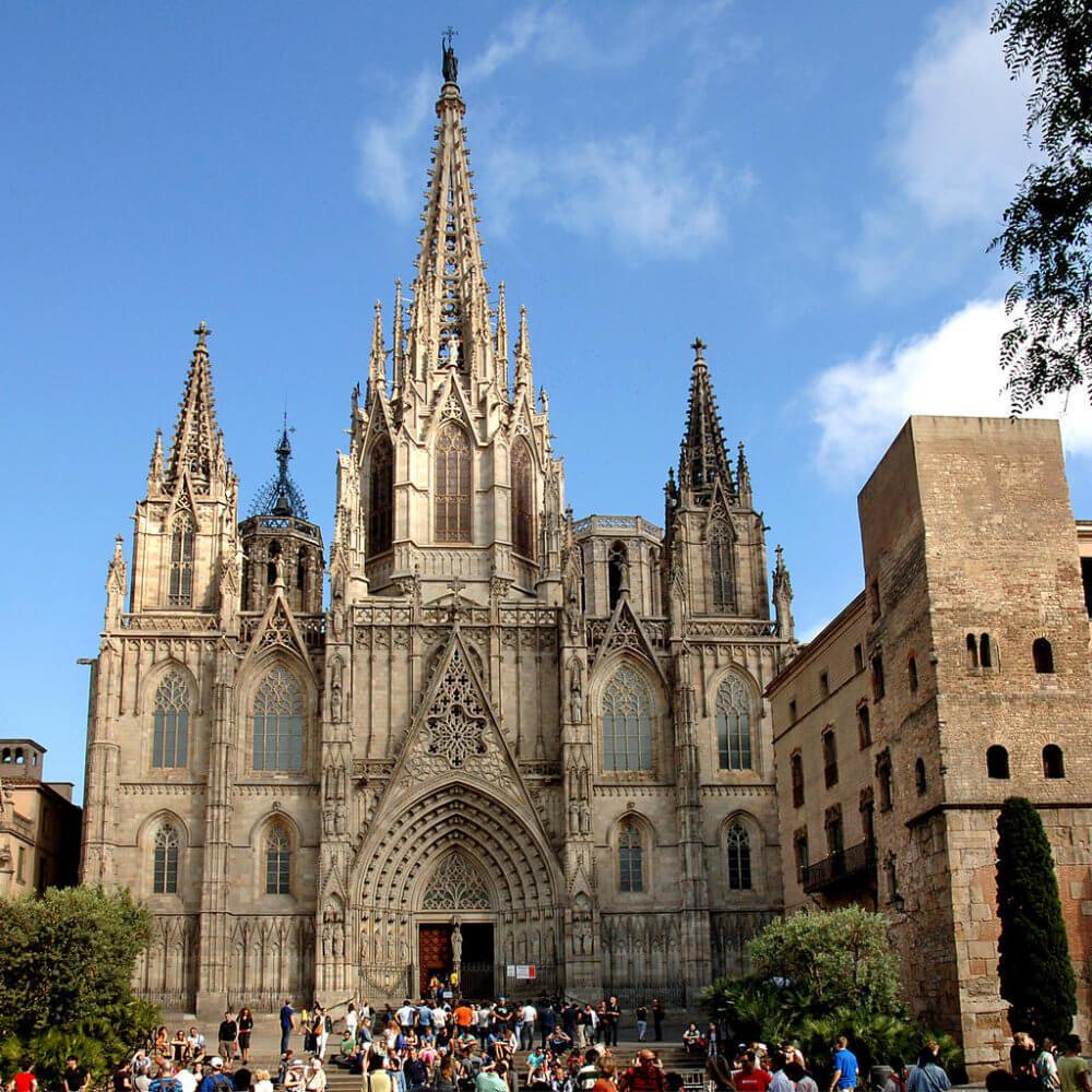 La Catedral de la Santa Cruz y Santa Eulalia, Barcelona, Spain