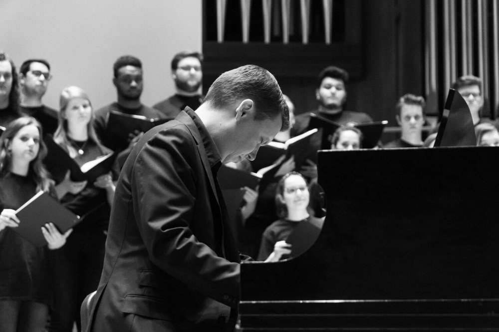 Ola Gjeilo at the piano